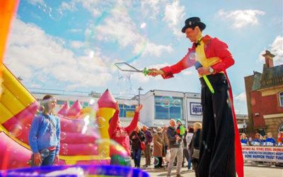Stilt Walkers for Hire | Circus Stardust Entertainment